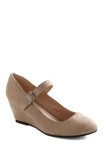 Every Walking Moment Wedge in Khaki