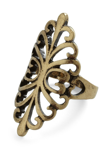 Hit the Flourish Ring - Gold, Vintage Inspired