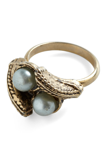 Vintage Two Pearls in a Pod Ring