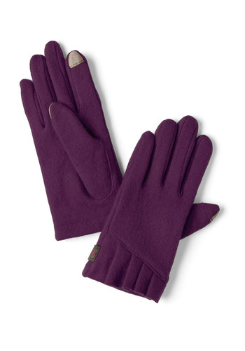 Tech Me With You Gloves in Plum - Purple, Solid, Pleats, Winter