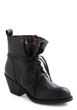 Loop the Cute Boot in Black