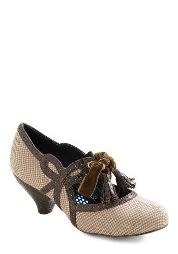 A Tisket a Tassle Heel by Irregular Choice - Tan, Brown, Houndstooth, Tassles, Mid, Leather, Work, Casual, Vintage Inspired, International Designer