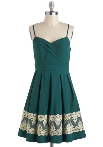 For-evergreen Gala Dress - Green, Tan / Cream, Party, A-line, Pleats, Mid-length, Holiday Party, Spaghetti Straps, Sweetheart