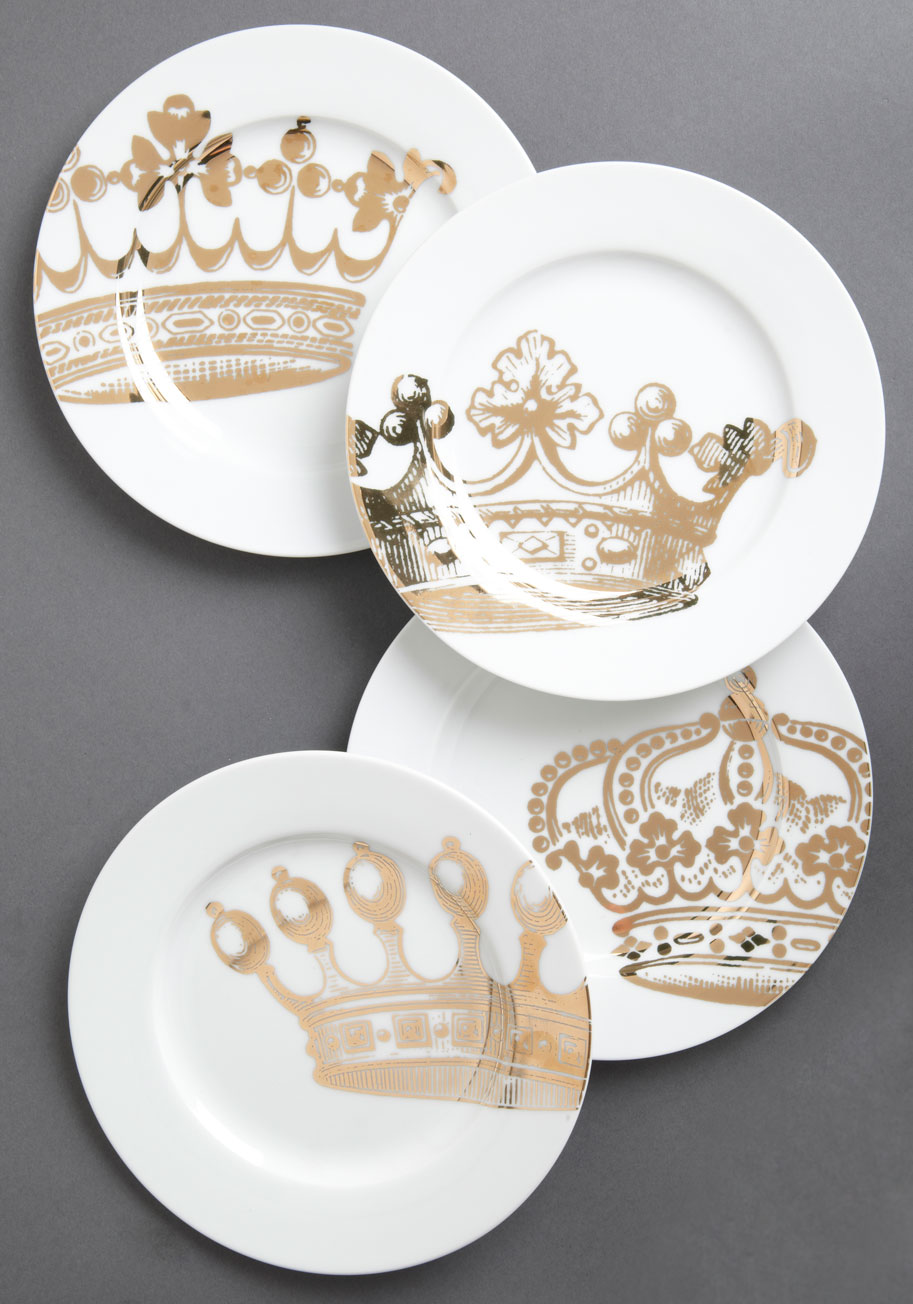 Emily 39 s fete for a queen plate set mod retro vintage for Kitchen queen set
