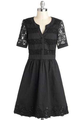 Well-to-Dew Dress in Noir
