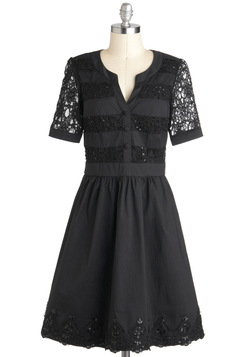 Well-to-Dew Dress in Noir
