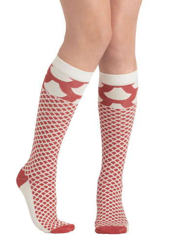 Scaled Back Socks - Cream, Red, Print