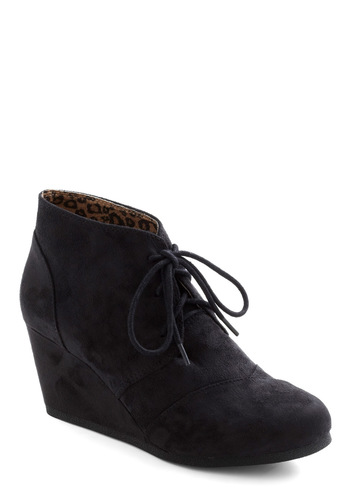 Fave It Out Wedge - Black, Solid, Wedge, Lace Up, Mid, Casual, Urban, Top Rated
