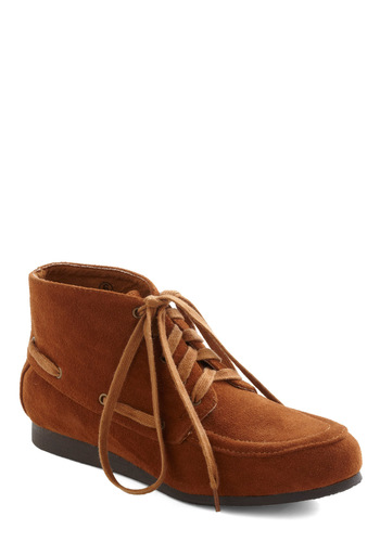 Red Clay Romp Bootie - Brown, Solid, Lace Up, Flat, Rustic, Travel, Winter