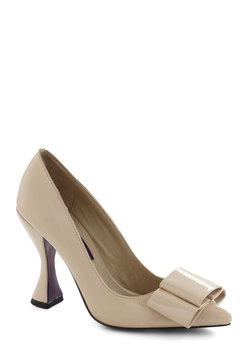 Goblet of Glamour Heel in Beige