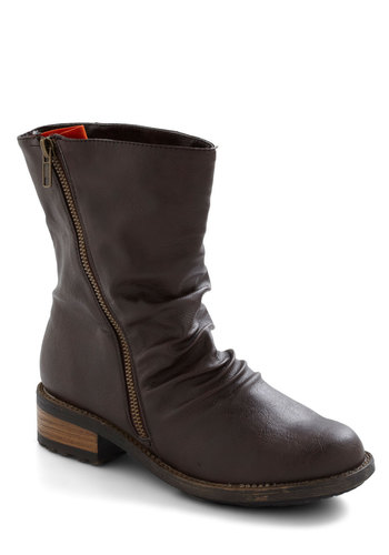Orange Grove Excursion Boot - Brown, Solid, Exposed zipper, Ruching, Short, Casual, Rustic, Low