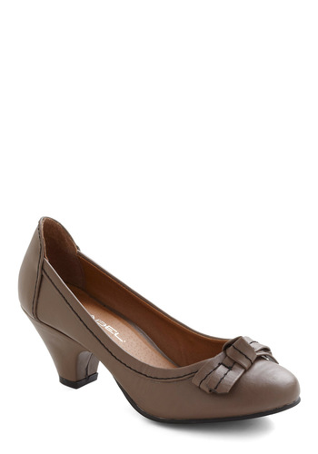 A Taste of Buttercream Heel in Cocoa - Grey, Solid, Bows, Vintage Inspired, 20s, Mid, Work, Variation