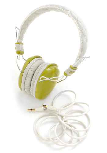 Set the Tune Headphones in Green - Green, Music, Graduation