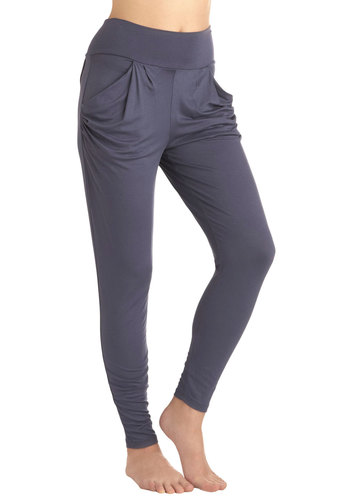 Studio Arts Scholar Leggings in Blue - Blue, Solid, Pockets, Casual, Skinny