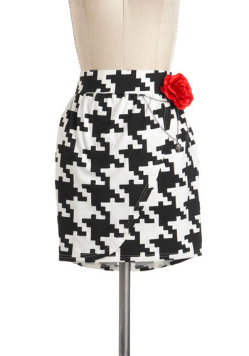 Fashionably Tessellate Skirt - Black, White, Houndstooth, Flower, Casual, Mini, Cotton, Short, Pockets