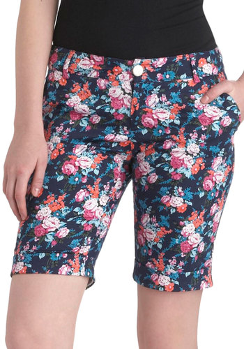 Quite Apro-posy Shorts