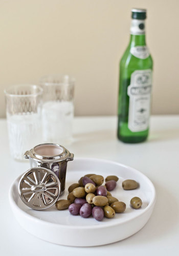 Olive on the Edge Tray by Gama-Go - White, Quirky, Minimal