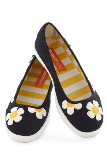 Everyday Daisy Flat - Black, White, Flower, Flat, Yellow, Travel