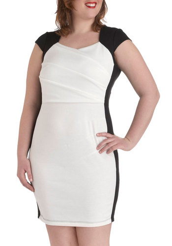 Two-Way Chic Dress in Plus Size - Party, 80s, Cap Sleeves, Vintage Inspired, Sheath / Shift, White, Black, Work, Solid, Graduation