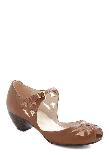 Cutout a Rug Heels - Cutout, Mid, Leather, Brown, Vintage Inspired, Peep Toe, Solid, 20s, 30s