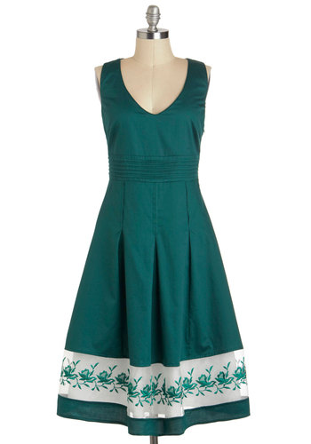 Spruce Up Dress - Green, Solid, Embroidery, Casual, Vintage Inspired, 50s, A-line, Sleeveless, Spring, Cotton, Long, White, Pleats, Daytime Party, V Neck