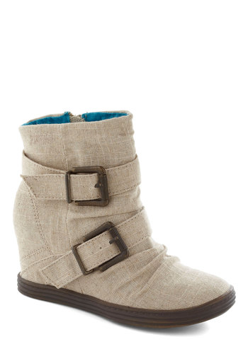 Roastery Visit Wedge in Textile - Cream, Solid, Buckles, Wedge, Flat