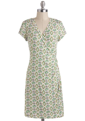 Worth the Effortless Dress - Green, Multi, Print, Casual, Sheath / Shift, Short Sleeves, V Neck, Long