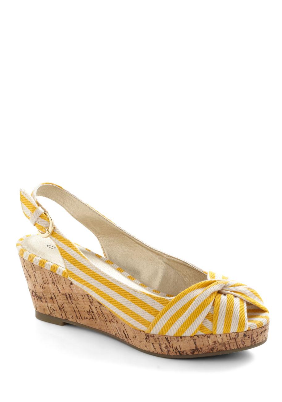 seaside snack wedge in lemon mod retro vintage sandals