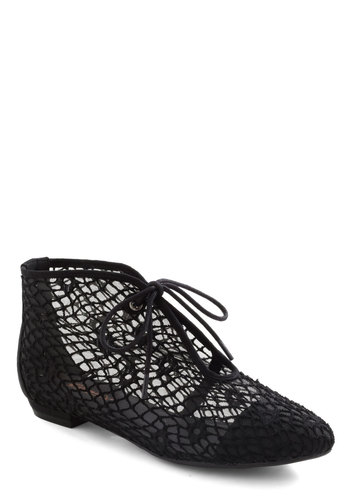 Web Surfer Bootie - Black, Solid, Lace Up, Low, Crochet