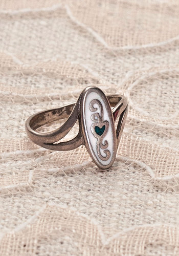 Vintage Pinkies Haute Ring