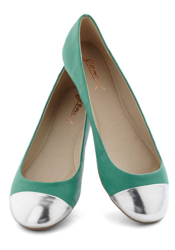 Brighter Beach Memoirs Flat - Green, Silver, Flat, Casual, Spring