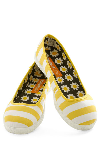 Casual and Effect Flat - Stripes, Nautical, Yellow, White, Casual, Beach/Resort, Spring, Summer, Travel