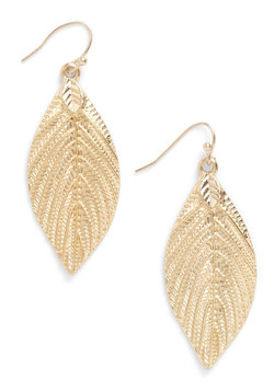 allure of the arboretum earrings (modcloth)