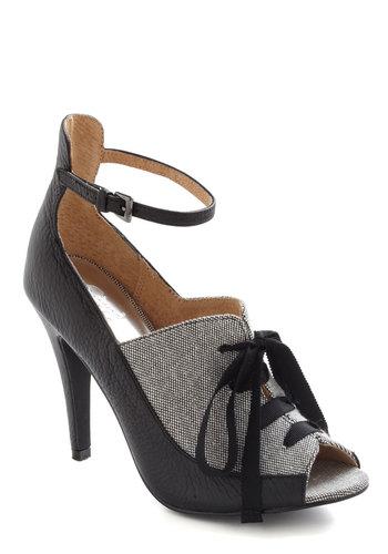 Fashion Forward Thinking Heel in Black