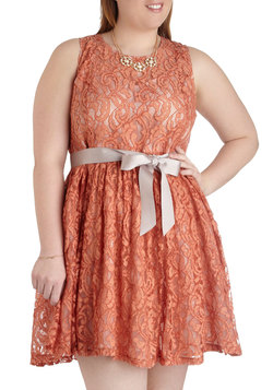 Spiced Tea Time Dress in Plus Size