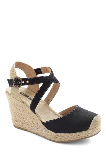 Pondside Walk Wedge - Black, Tan / Cream, Trim, Wedge, Mid, Spring