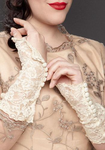 Vintage Romantic Gesture Glovettes