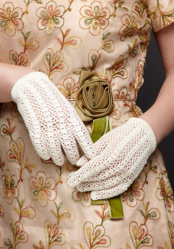 Vintage Touch of Charm Gloves