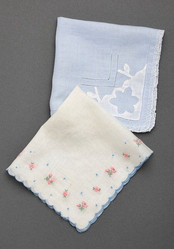 Vintage Unchanged Melody Handkerchief Set