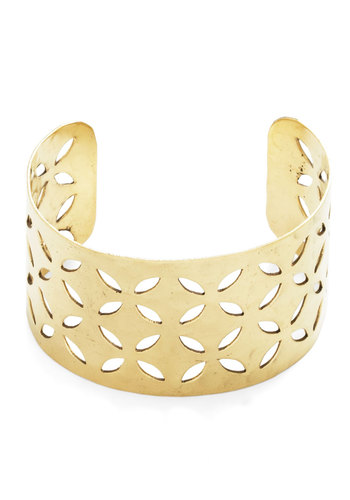 Hammer Out the Details Bracelet - Gold, Solid, Cutout