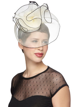 Fashion Show Front Row Fascinator