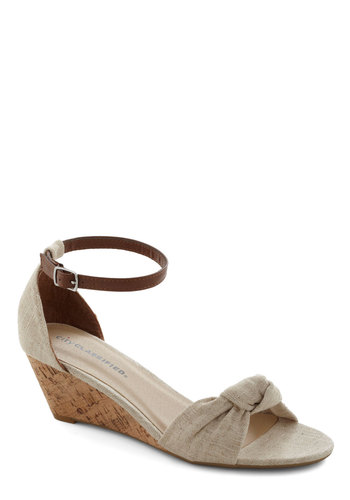 Step Into the Sunlight Wedge in Tan
