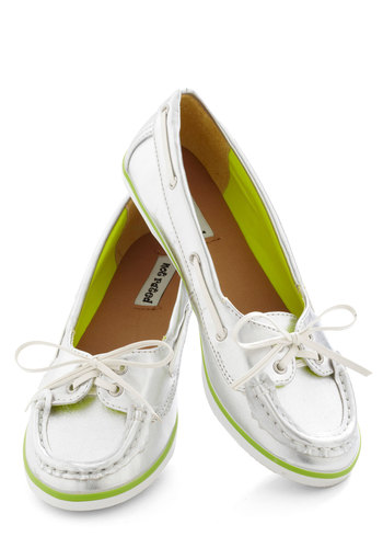 Luxe on the Lake Flat - Silver, Green, White, Trim, Casual, Daytime Party, Nautical, Flat, Faux Leather, Lace Up