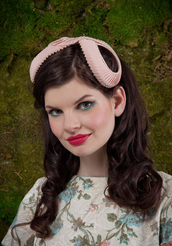 Vintage Infinitely Stylish Fascinator