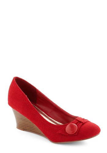 Chef de Cuisine Wedge in Tomato - Red, Buttons, Work, Mid, Wedge, Variation, Winter