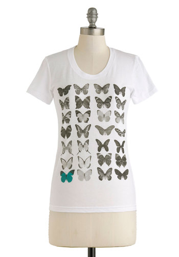 Gliding in Sight Top - Mid-length, Print with Animals, Casual, Travel, Short Sleeves, White, White, Short Sleeve, Spring, Summer