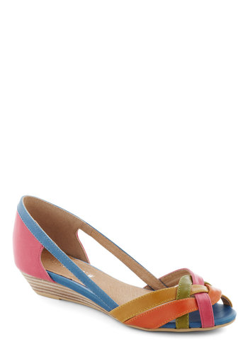 Gal About Town Wedge in Brights