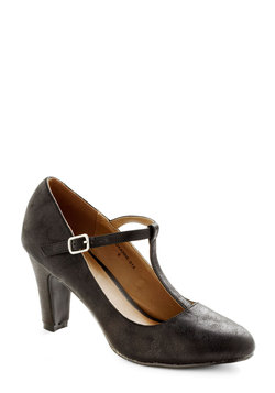 everyhing's aglow heel in onyx (modcloth)