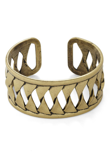 It Scene Bracelet - Gold, Solid, Cutout, Gold