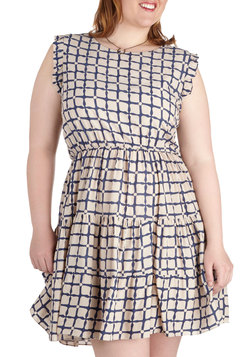 Front Porch Screening Dress in Plus Size